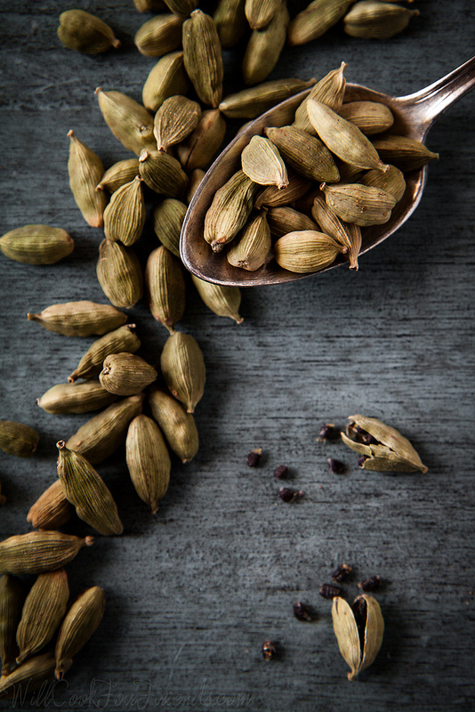Green Cardamom (and a recipe for Cardamom & Orange Spiced White Hot Chocolate) | Will Cook For Friends