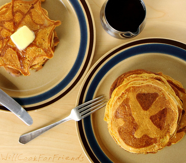 Pumpkin Pie Pancakes (Jack-O-Lantern Flapjacks) 1/4