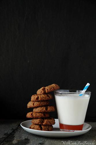 Minimalist Peanut Butter Cookies