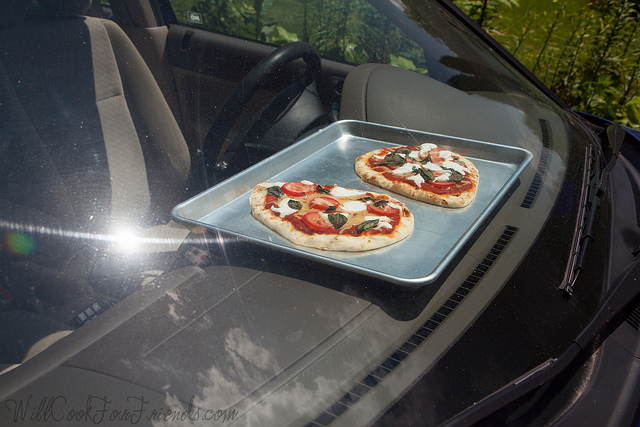 Dashboard Pizza - Solar Power Cooking | Will Cook For Friends